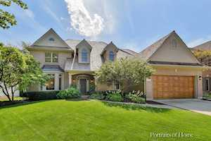 395 Amy Ct Glen Ellyn, IL 60137