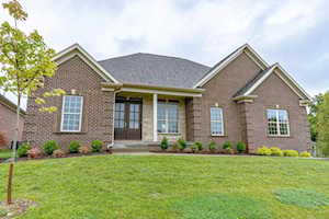 3116 Grand Lakes Dr Louisville, KY 40299