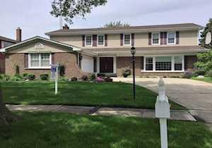 3816 Medford Circle Northbrook, IL 60062