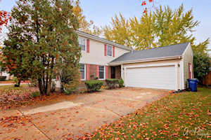 400 Elm Tree Ln Vernon Hills, IL 60061
