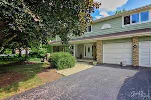 38 Carlisle Rd Hawthorn Woods, IL 60047