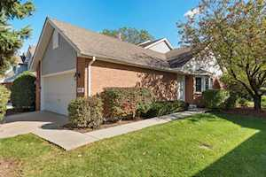 8451 Sandalwood Ct Darien, IL 60561