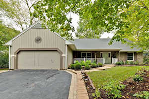 1335 Eastwood Ln Northbrook, IL 60062