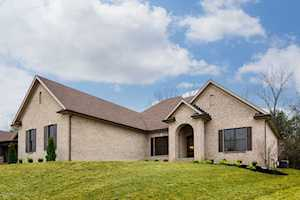 17306 Shakes Creek Dr Louisville, KY 40023