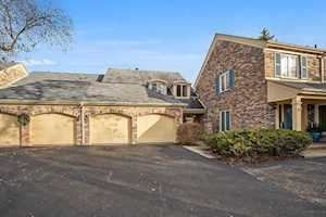 26 The Court of Island Northbrook, IL 60062