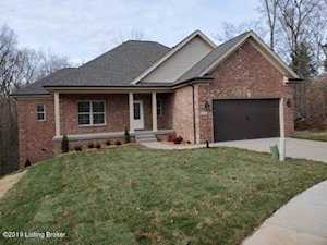 7602 Pauls View Pl Louisville, KY 40228