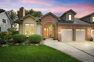 841 Rogers St Downers Grove, IL 60515