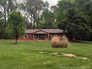1916 Beechlawn Dr Clarksville, IN 47129