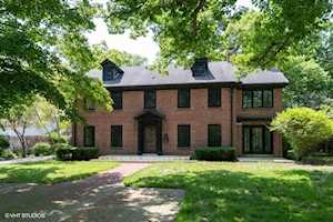 1374 Sheridan Rd Highland Park, IL 60035