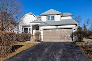 1696 Normandy Woods Ct Grayslake, IL 60030