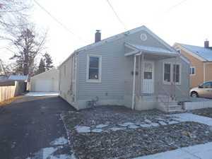 665 Orange St Elgin, IL 60123