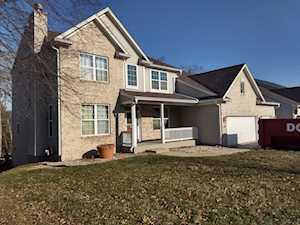 490 Rosewood Dr Carpentersville, IL 60110