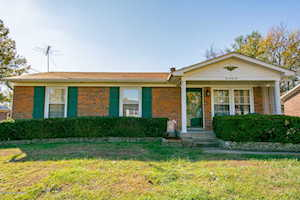 1042 Old South Acres Dr Louisville, KY 40219