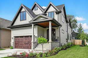 144 Oxford Ave Clarendon Hills, IL 60514