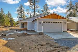 19527 River Woods Drive Bend, OR 97702