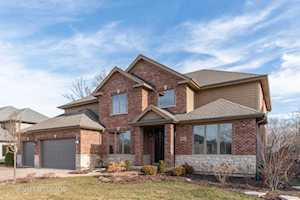 282 Mark Ln Lake Zurich, IL 60047