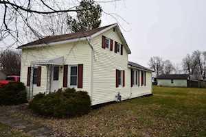 118 W Walnut Street Millersburg, IN 46543