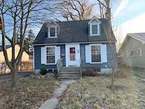221 N Prairie Ave Mundelein, IL 60060