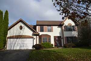 180 Knobb Hill Ln Gurnee, IL 60031