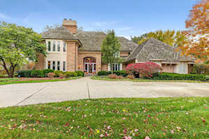 830 Woodstream Ct Lake Forest, IL 60045