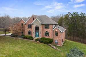 2404 Running Brook Trail Fisherville, KY 40023