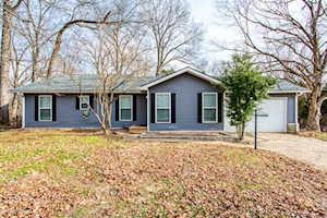 4903 Hickory Hollow Ln Shepherdsville, KY 40165