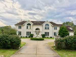 11 Hunt Club Ln Oak Brook, IL 60523