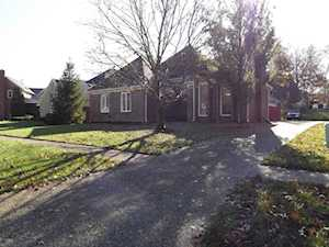 1211 Garden Creek Cir Louisville, KY 40223