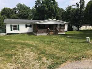 11080 Hillcrest Dr SW Mauckport, IN 47142