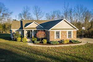 2819 Hollow Oak Dr Crestwood, KY 40014