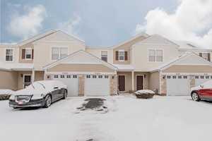 2320 Flagstone Ln Carpentersville, IL 60110