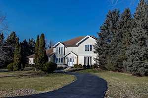 11 Washitay Ave Hawthorn Woods, IL 60047