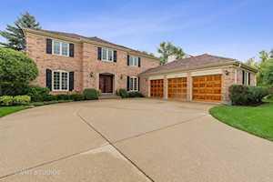 1508 Old Barn Circle Libertyville, IL 60048