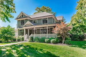 403 Wedgemere Place Libertyville, IL 60048