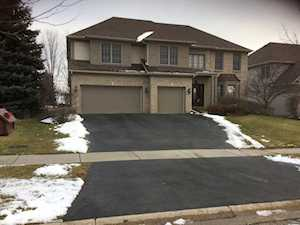 869 Tipperary St Gilberts, IL 60136