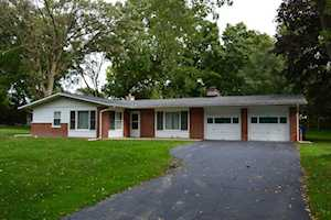 910 Rosewood Dr Carpentersville, IL 60110