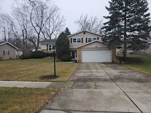 429 70th St Darien, IL 60561