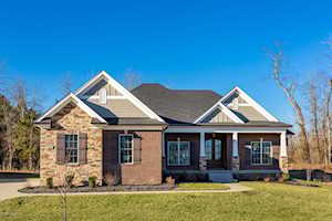 17304 Shakes Creek Dr Louisville, KY 40023