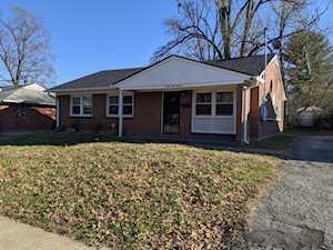 2116 Goldsmith Ln Louisville, KY 40218