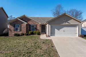 9212 River Trail Dr Louisville, KY 40229