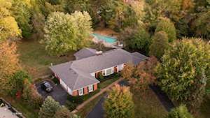 5827 Brittany Woods Cir Louisville, KY 40222
