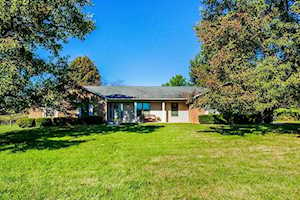 105 Lake Country Road Nicholasville, KY 40356