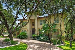 1 Harvest Meadow Ct The Hills, TX 78738