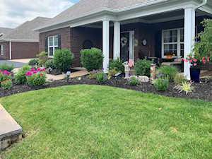 6030 Garden Spring Ct Crestwood, KY 40014