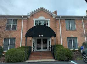 651 Breckenridge Ln #104 Louisville, KY 40207
