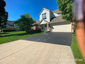 52 Ione Dr #A South Elgin, IL 60177
