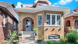 5526 W Cornelia Ave Chicago, IL 60641