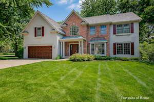 455 Stagecoach Ct Glen Ellyn, IL 60137