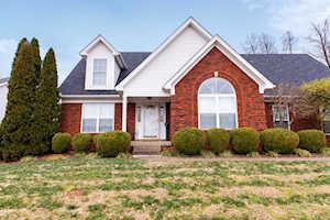 9108 Auburn Woods Ct Louisville, KY 40214