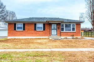 8801 Seaforth Dr Louisville, KY 40258